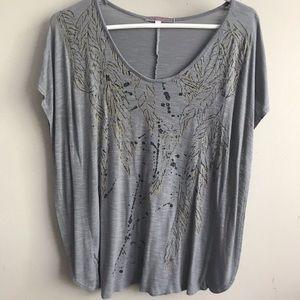 Julie's Closet Gray & Black Leaf Print Top